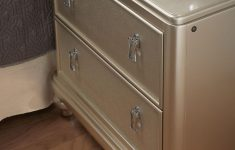 Bobs Furniture Diva Set Best Of The Diva Nightstand Has A Felt Lined Top Drawer And Even A
