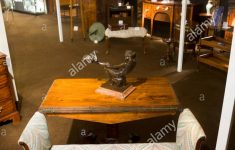 Who Buys Antique Furniture Inspirational Exhibitor Stall Selling Antique Furniture And Paintings