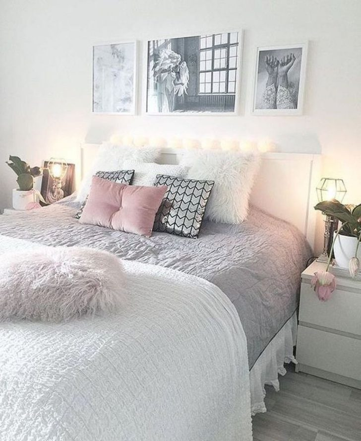 Modern Bedroom Designs for Small Rooms 2021