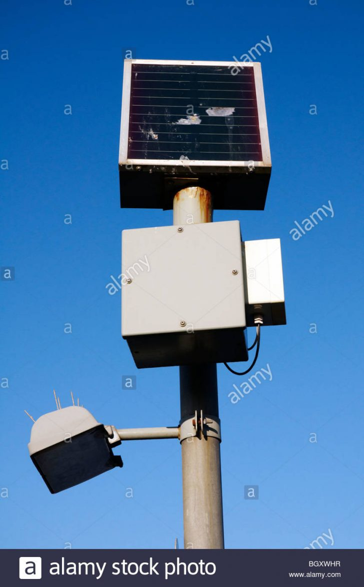 Solar Lamp Post with Mailbox 2020