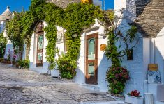 Top 10 Most Beautiful Houses In The World Unique 10 Most Beautiful Towns In Puglia