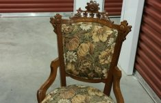 Wooden Casters Antique Furniture Elegant Chair With Wheels Front Legs