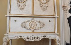 Antique Furniture Refinishing Techniques Beautiful Furniture Painting Technique Crackle Stain Gold Accents
