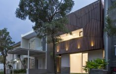 Houses With Courtyards Design Plans Elegant A Very Small House Finds Space For A Charming Little Inner