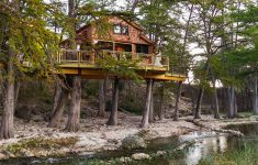 Treetop Cabins Texas Luxury Frio River Texas Treehouse — Nelson Treehouse