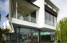 Villa Type House Design New Luxury Mansion In Singapore With An Appealing Monochromatic