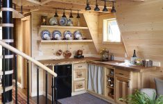 Coolest House Designs In The World Awesome Treehouse Masters Pete Nelson Takes Us Inside E His
