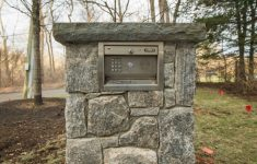 Stone Entrances And Gates Beautiful Driveway Gate Keypad Entry System Integrated Into A Stone
