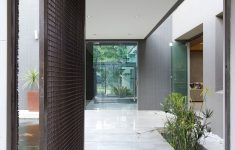 Contemporary Door Designs For Residence Luxury Dramatic Contemporary Residence Amazes With Stunning Design