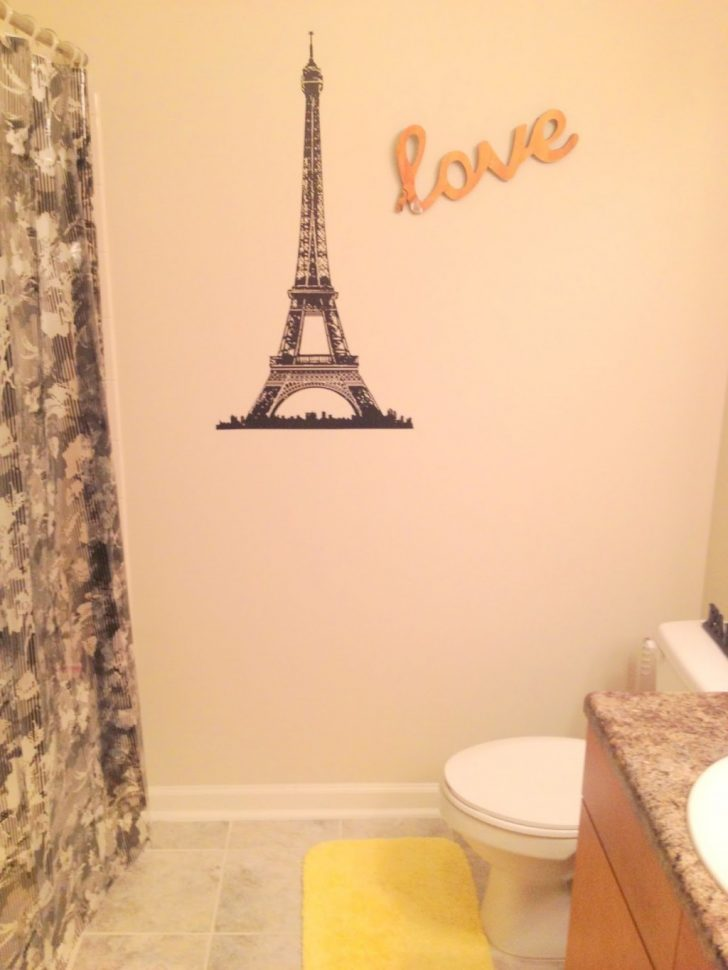Paris themed Bathroom Decor 2021