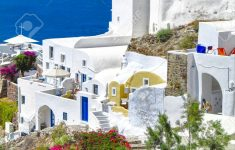 Www Beautiful Houses Pictures Elegant Santorini Beautiful Houses And Colourful Flowers