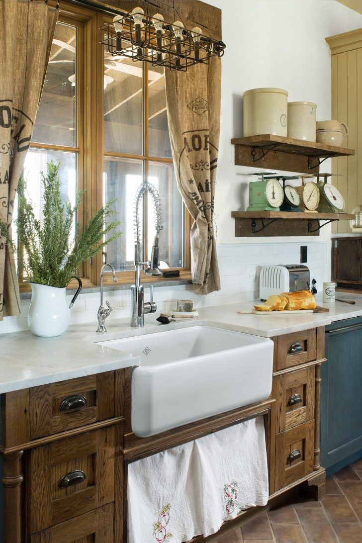 How to Decorate A Bathroom Window 2020