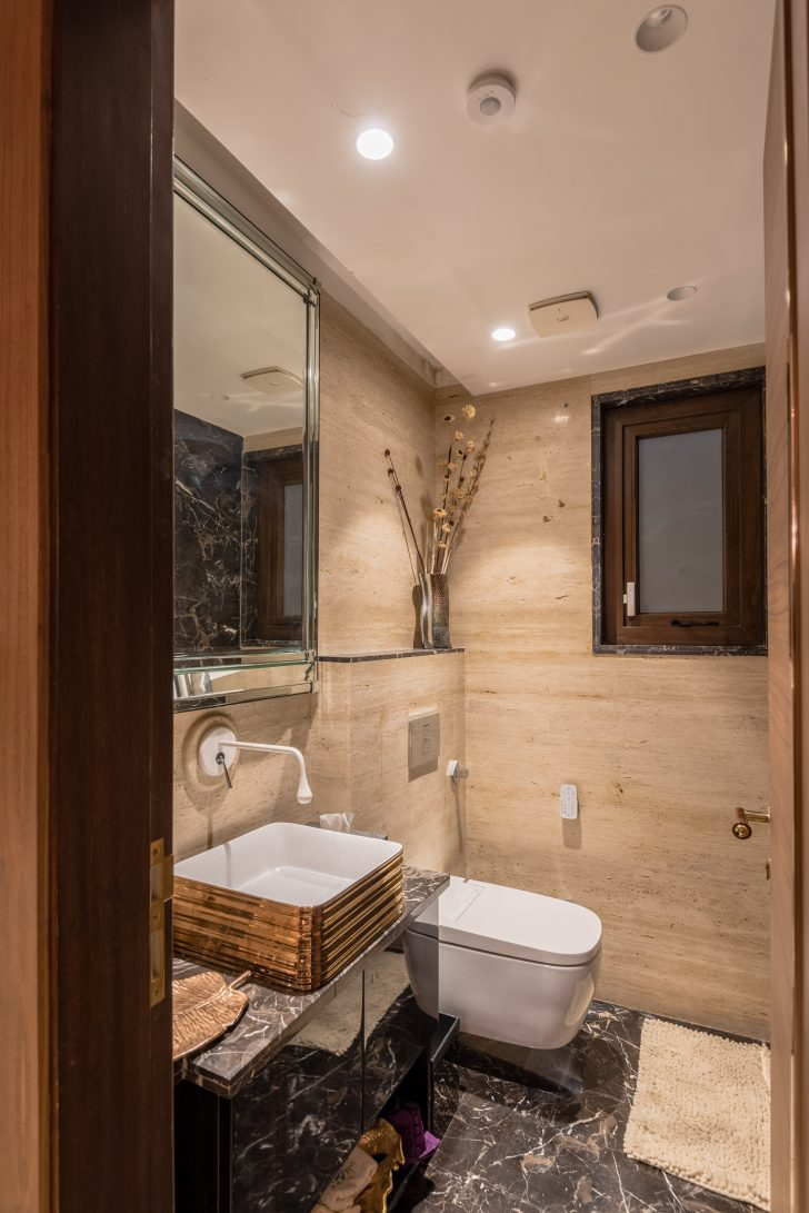 Decorating A Small Bathroom On A Budget 2020