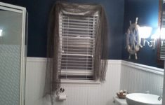 Nautical Bathroom Decorations Elegant Nautical Bathroom Theme Put Fish Net Over Dark Ble Curtains