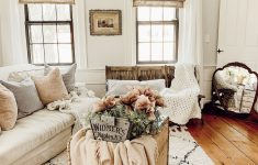 Antique Living Room Furniture Unique Rustic Farmhouse Vintage Living Room With Antiques In New