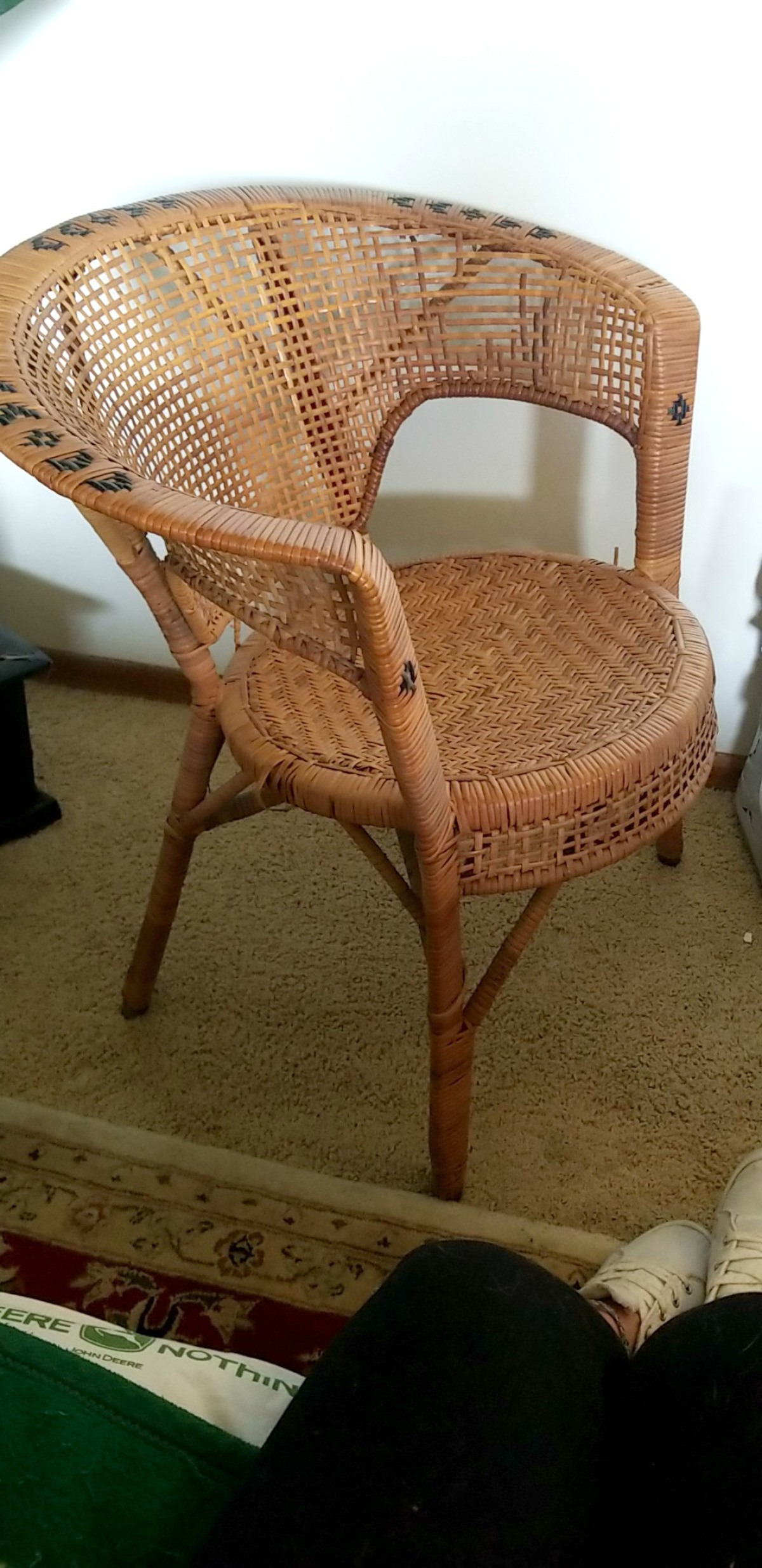 value of a vintage wicker chair x8