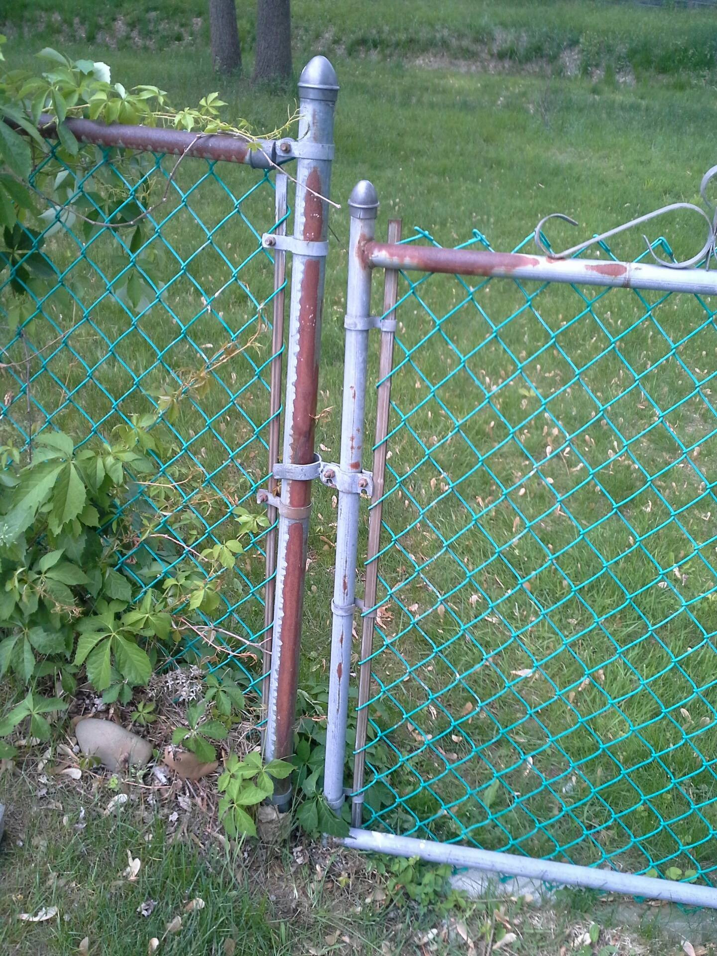 adjustable chain link gate hinges chain link gate hinge home depot chain link fence post chain link fence parts lowes 8 chain link fence
