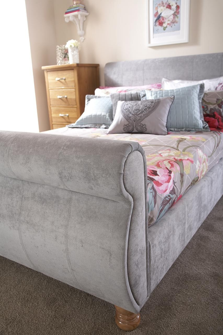 Fabric Sleigh Bed Elegant Chicago Silver Upholstered Chenille Fabric Sleigh Bed 4ft6 Double & 5ft Kingsize
