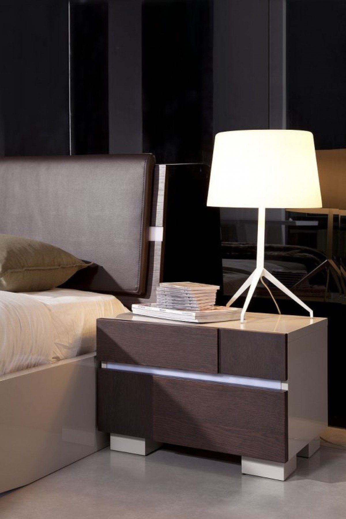 Floating Queen Bed Frame Beautiful Contemporary Floating Queen Bed with Led Lights by Venini Model