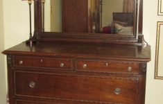 Grand Rapids Furniture Company Antique Awesome Antique 4 Drawer Dresser With Mirror Antique Appraisal