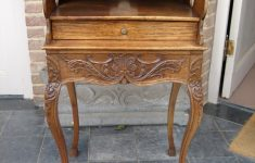 High Quality Antique Furniture Lovely Louis 15 High Quality Sculptured Decorative Table Table