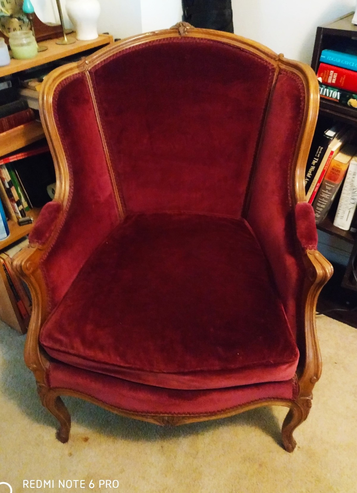 identifying the style of an antique chair x5