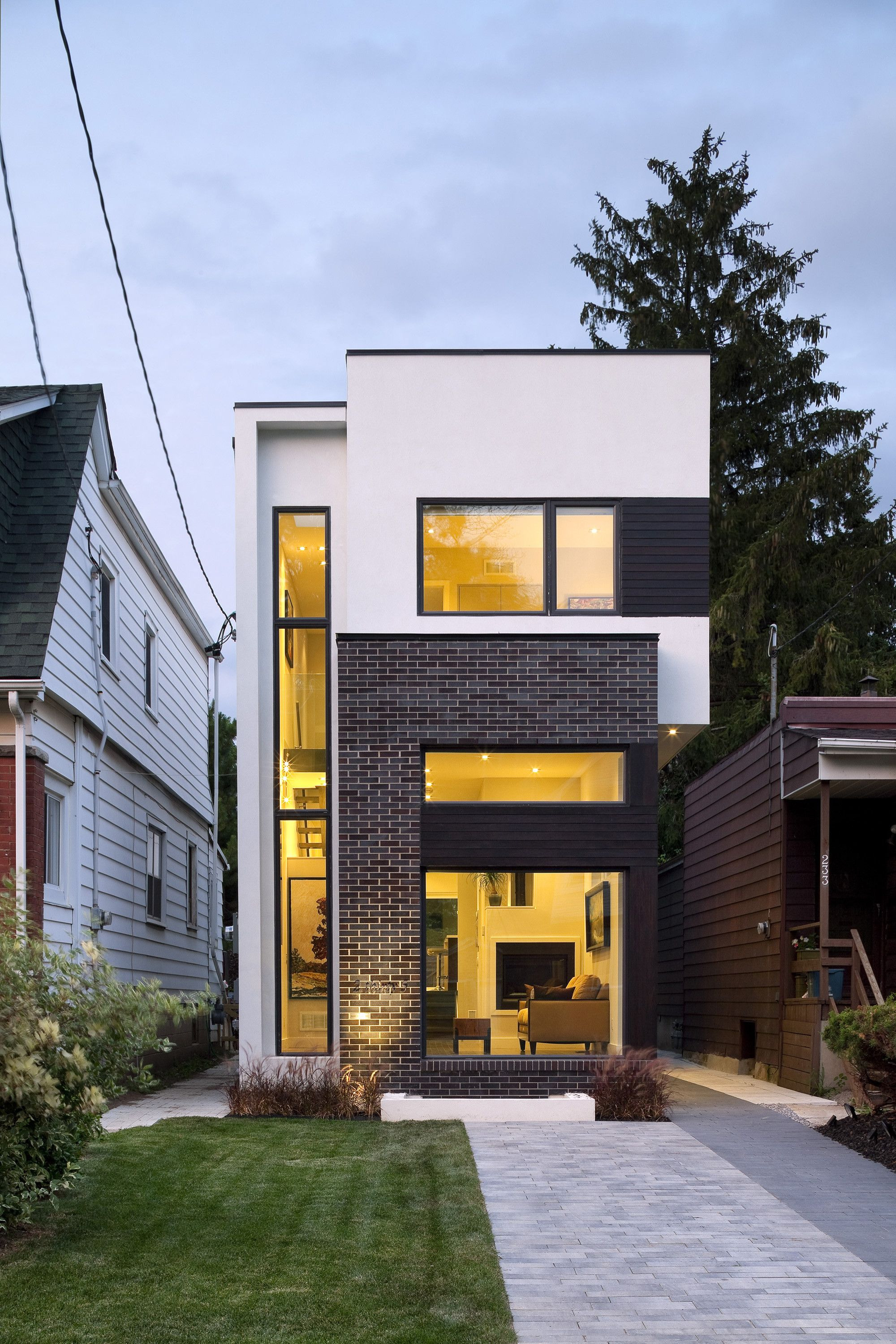 Modern Home Designs for Narrow Lots Luxury the Linear House Green Dot Architects