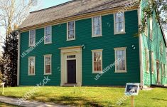 Saltbox House Pictures Beautiful Saltbox House Stock S & Vectors