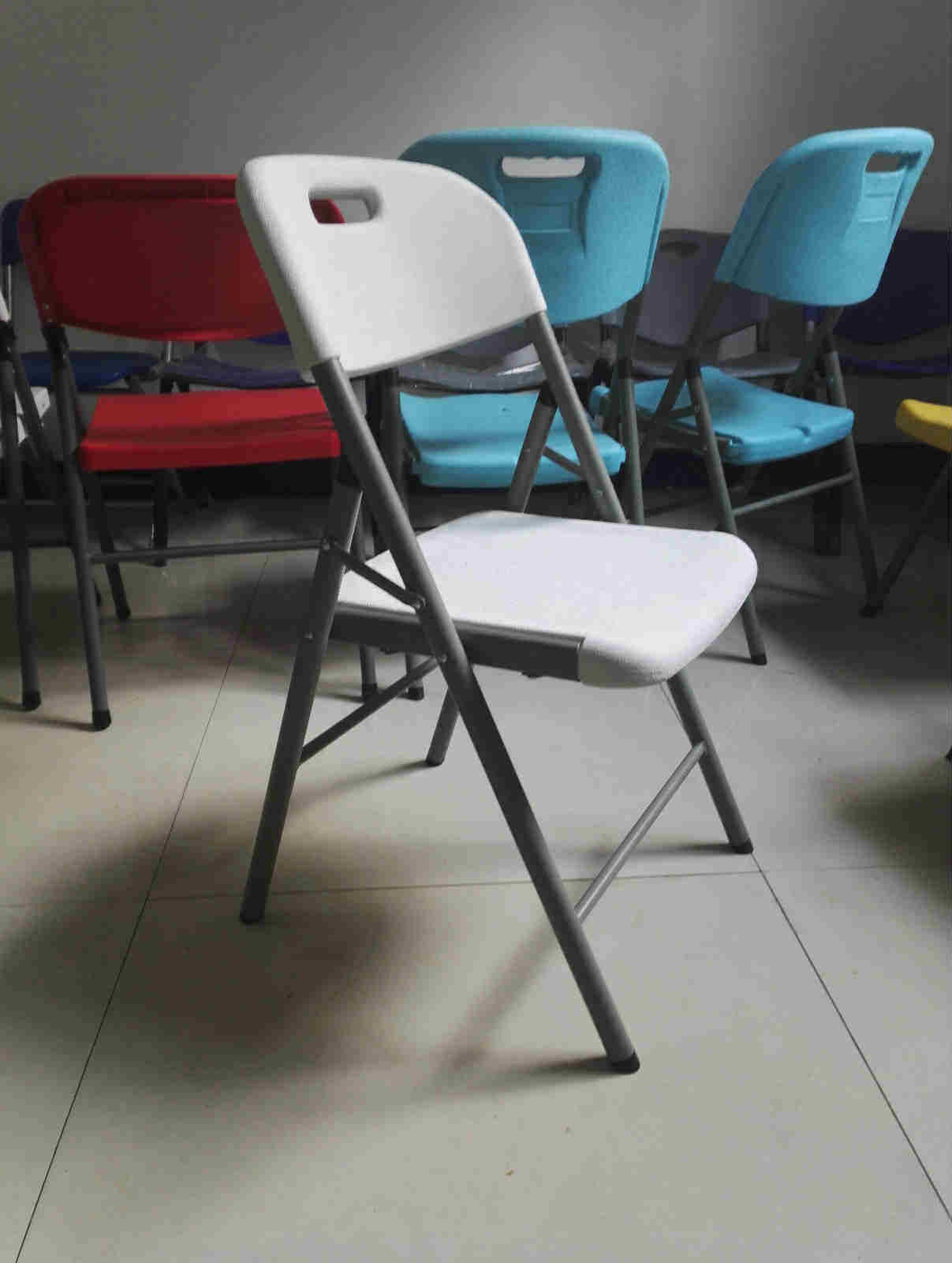 Folding Chairs Hot Sale Cheap Plastic Tables and Chairs