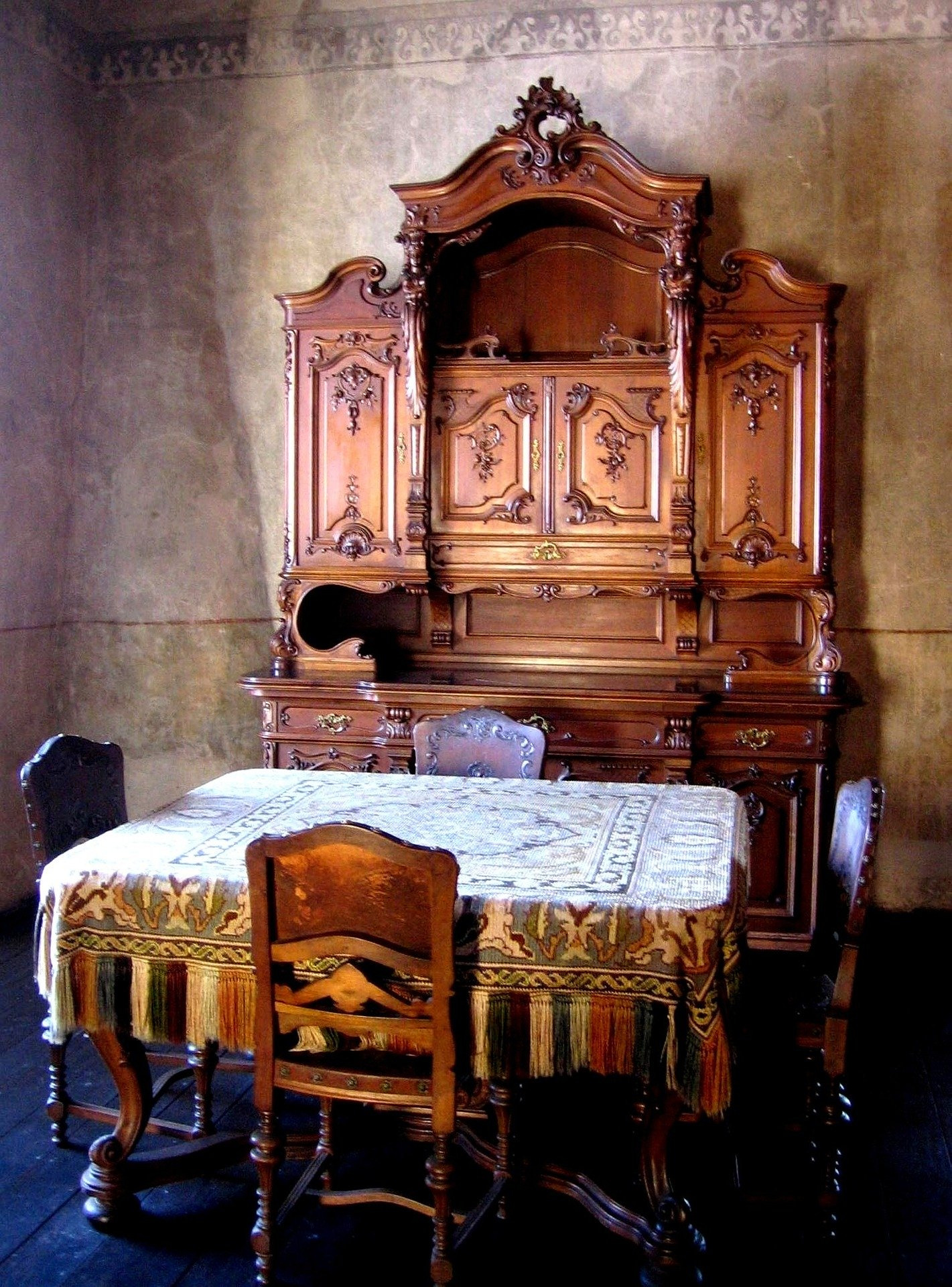 Value Of Antique Furniture Price Guide New What S It Worth Find the Value Of Your Inherited Furniture