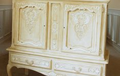 White And Gold Antique Furniture Unique Trend Report Love Chalky Furniture You Re Gunna Love