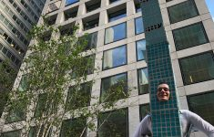 432 Park Avenue Penthouse Awesome This Guy Dressed As 432 Park Avenue Won Halloween Curbed Ny