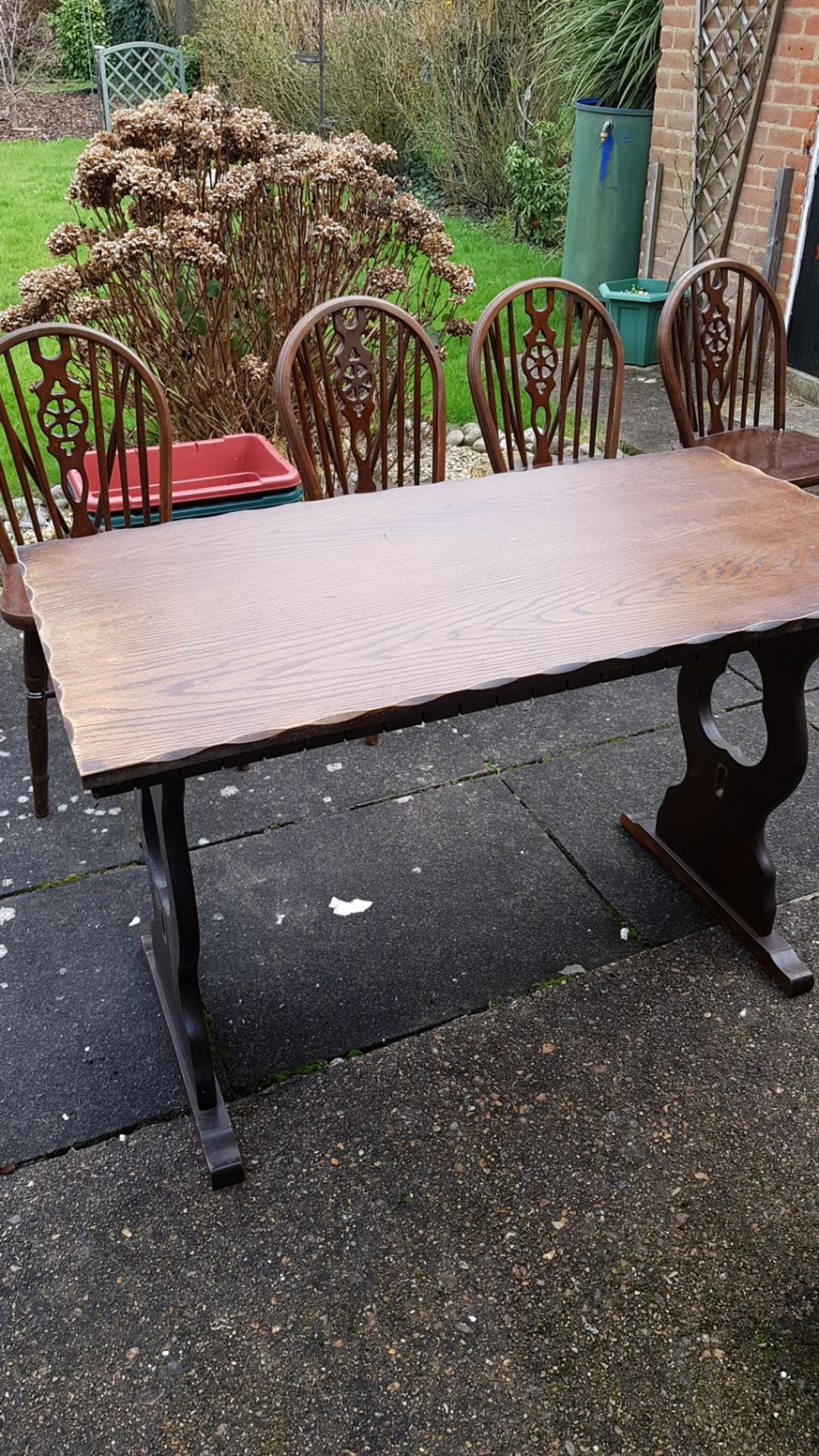 mahogany solid wood table n 4 chairs
