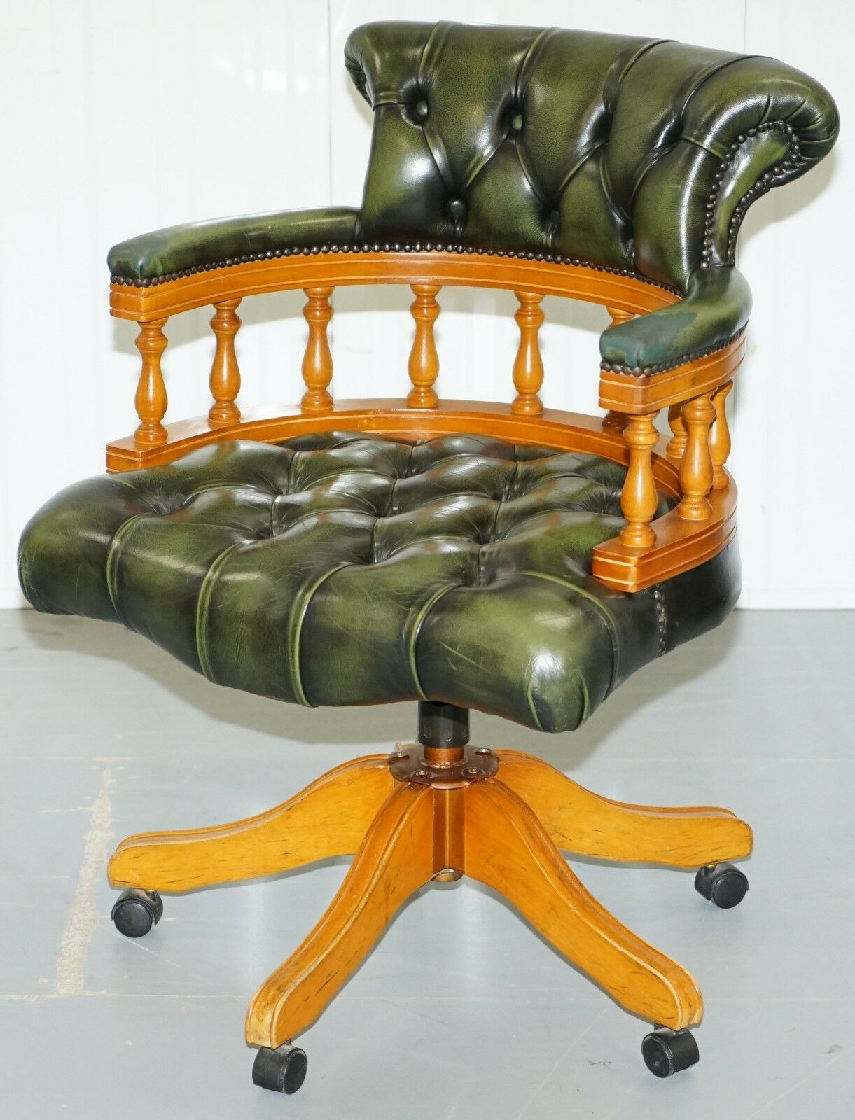 YEW WOOD CHESTERFIELD DIRECTORS GREEN LEATHER EXECUTIVE CAPTAINS OFFICE CHAIR JPG