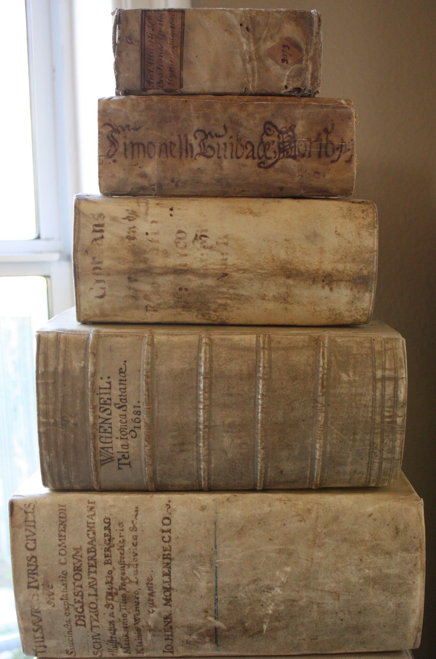 Books On Antique Furniture Awesome 16th and 17th Century Vellum Books