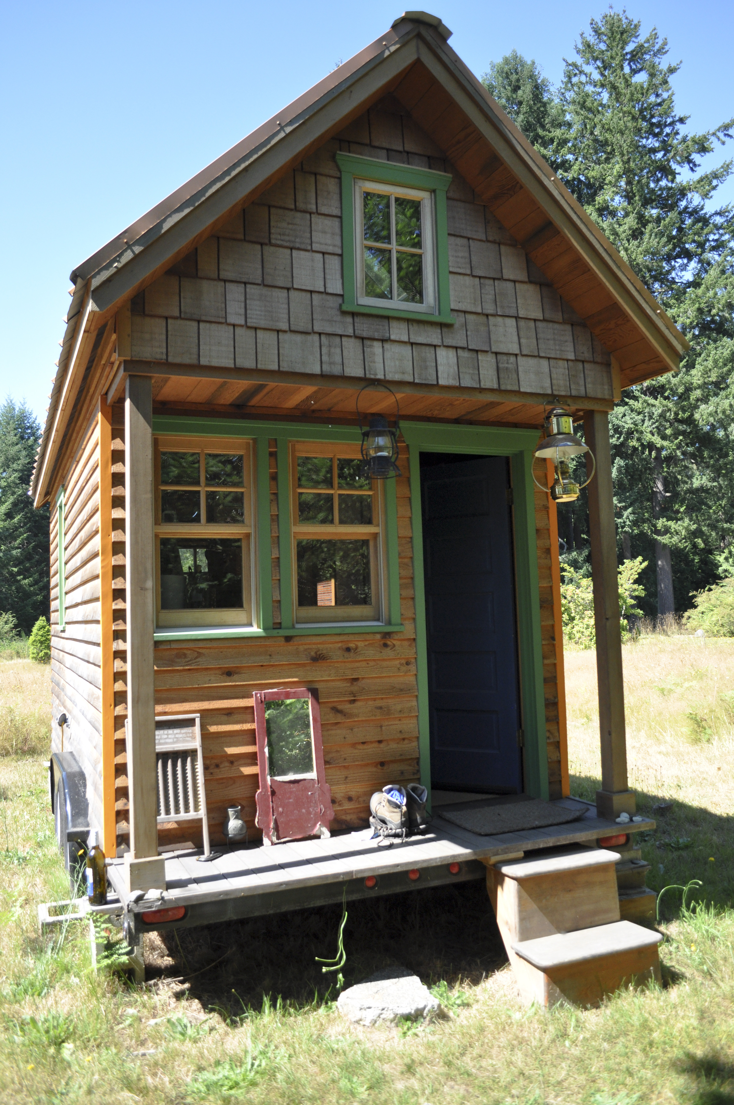 Building A Small Home On A Budget Luxury Tiny House Movement