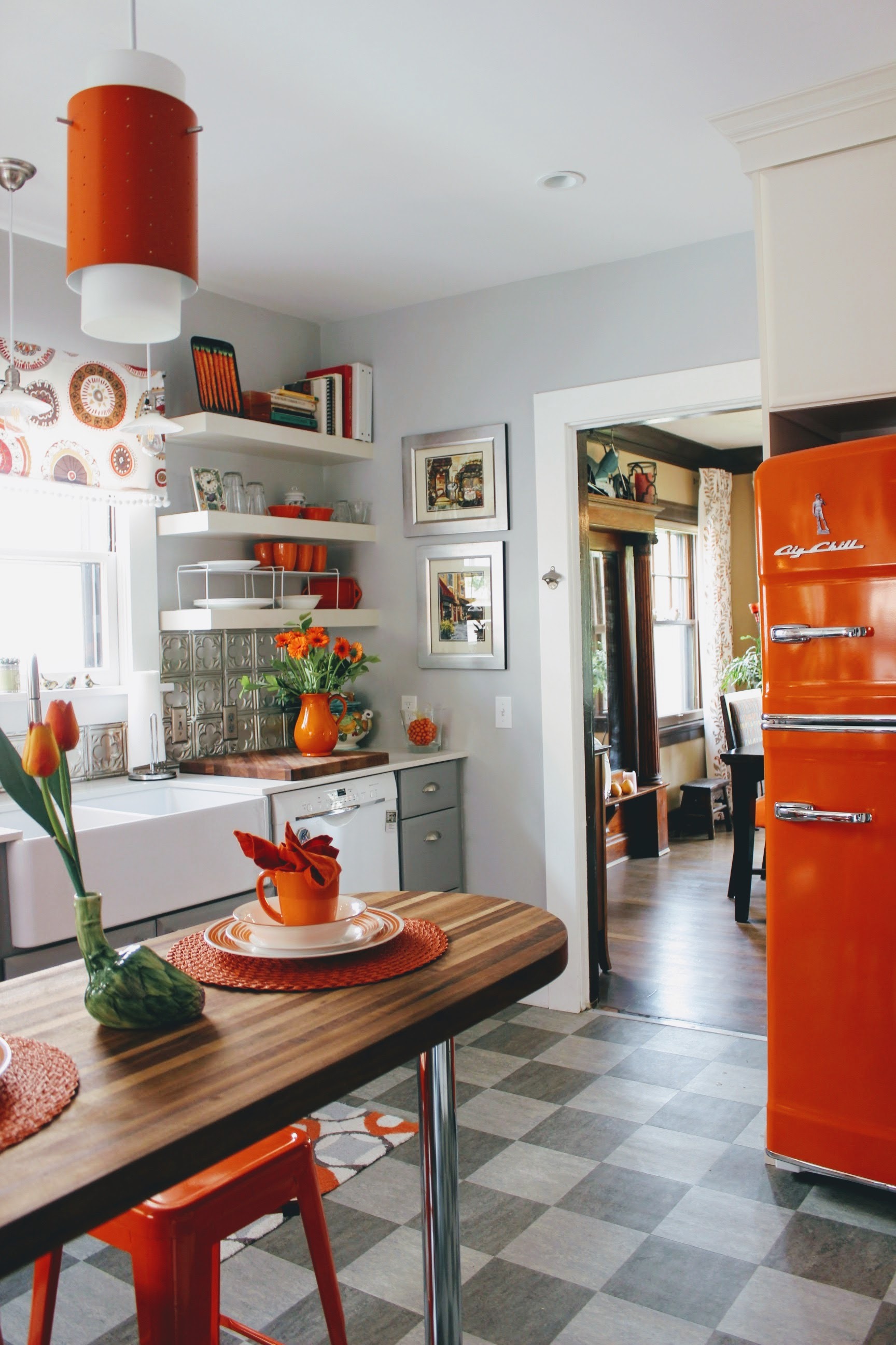 Century Apartments In Dickinson Nd Elegant 13 Must See Retro Big Chill Kitchen Layouts
