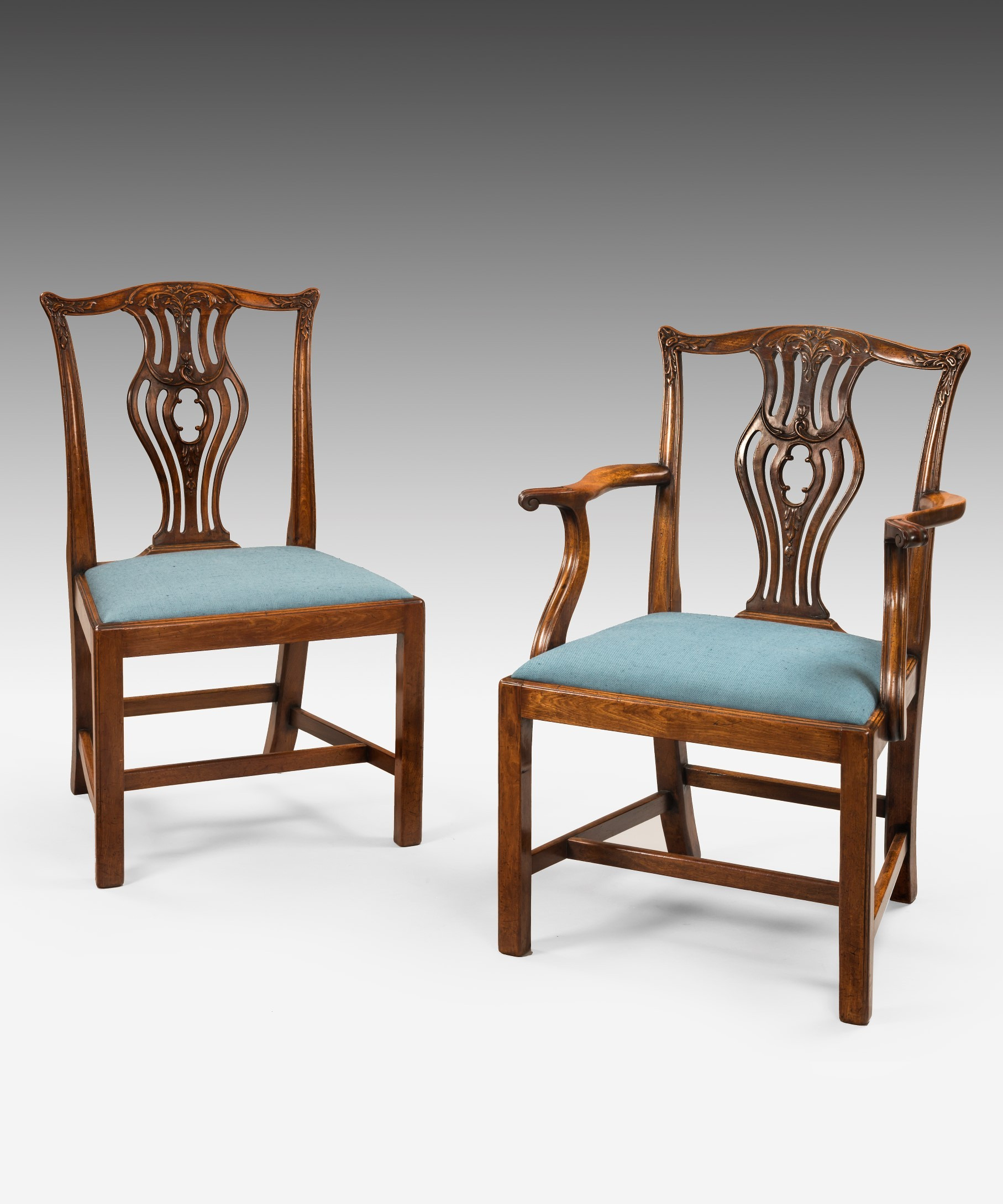 1010 Chairs Seating A set of 8 Chippendale dining chairs