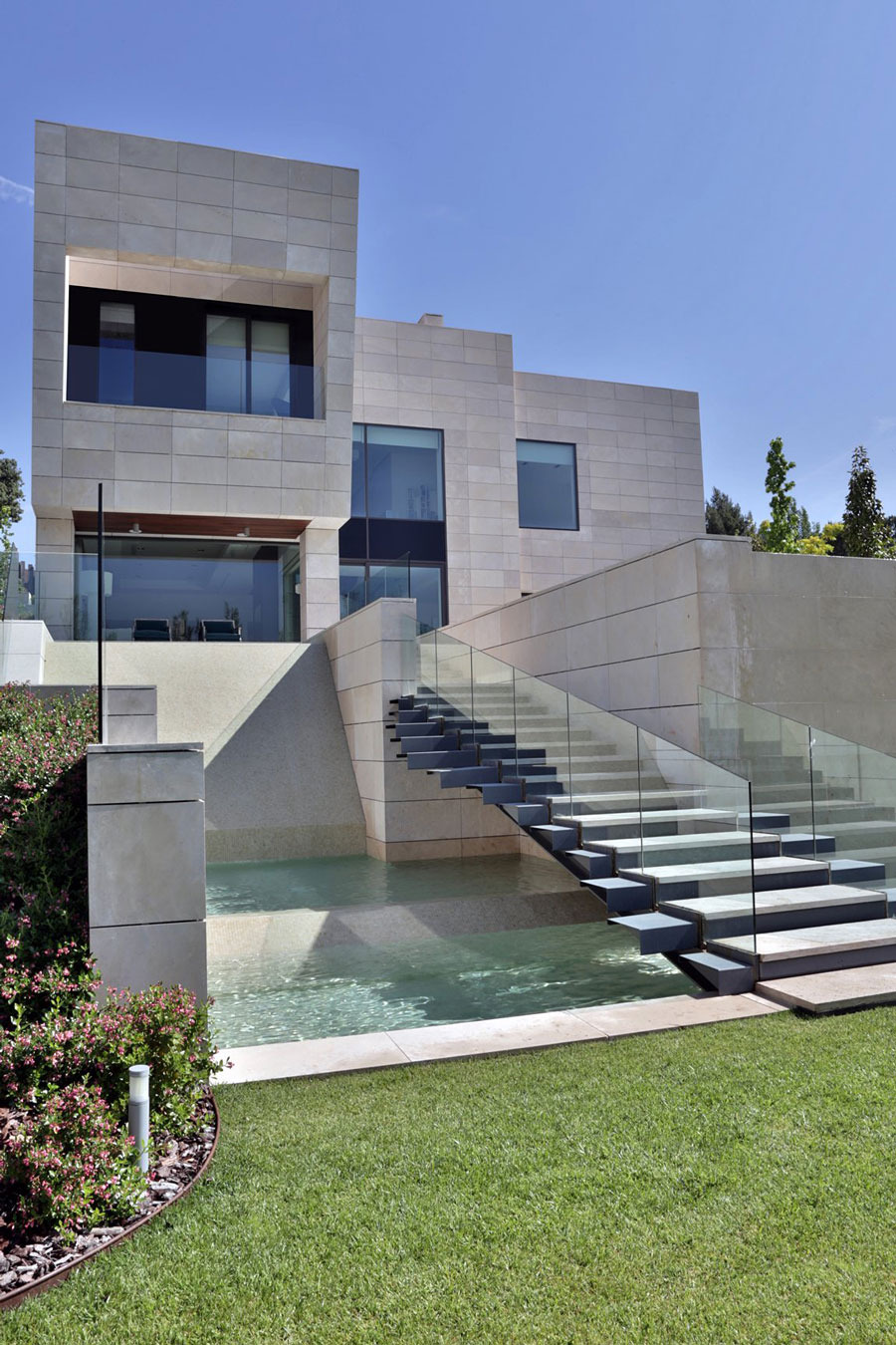 A Modern Mansion In Madrid The Memory House by A Cero Architects 20