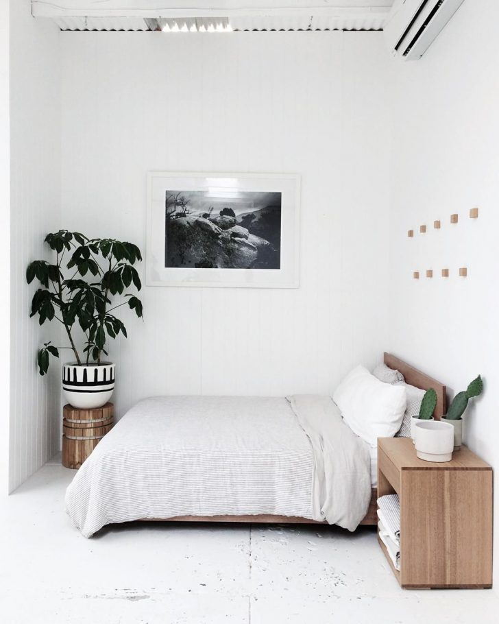 Minimalist Bedroom Design for Small Rooms 2021