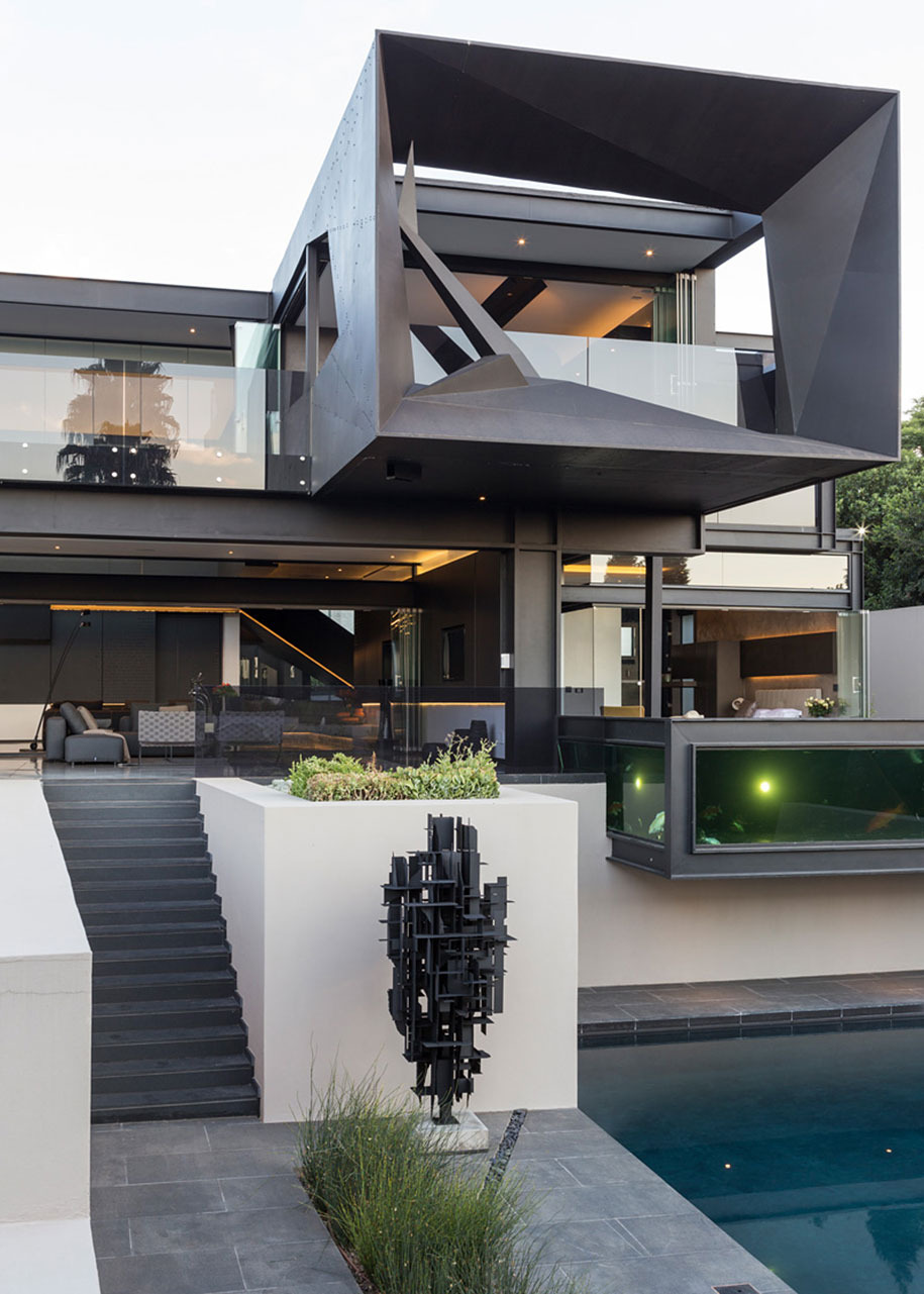 modern architecture all interiors connect outside kloof road house werner van del meulen south africa 18