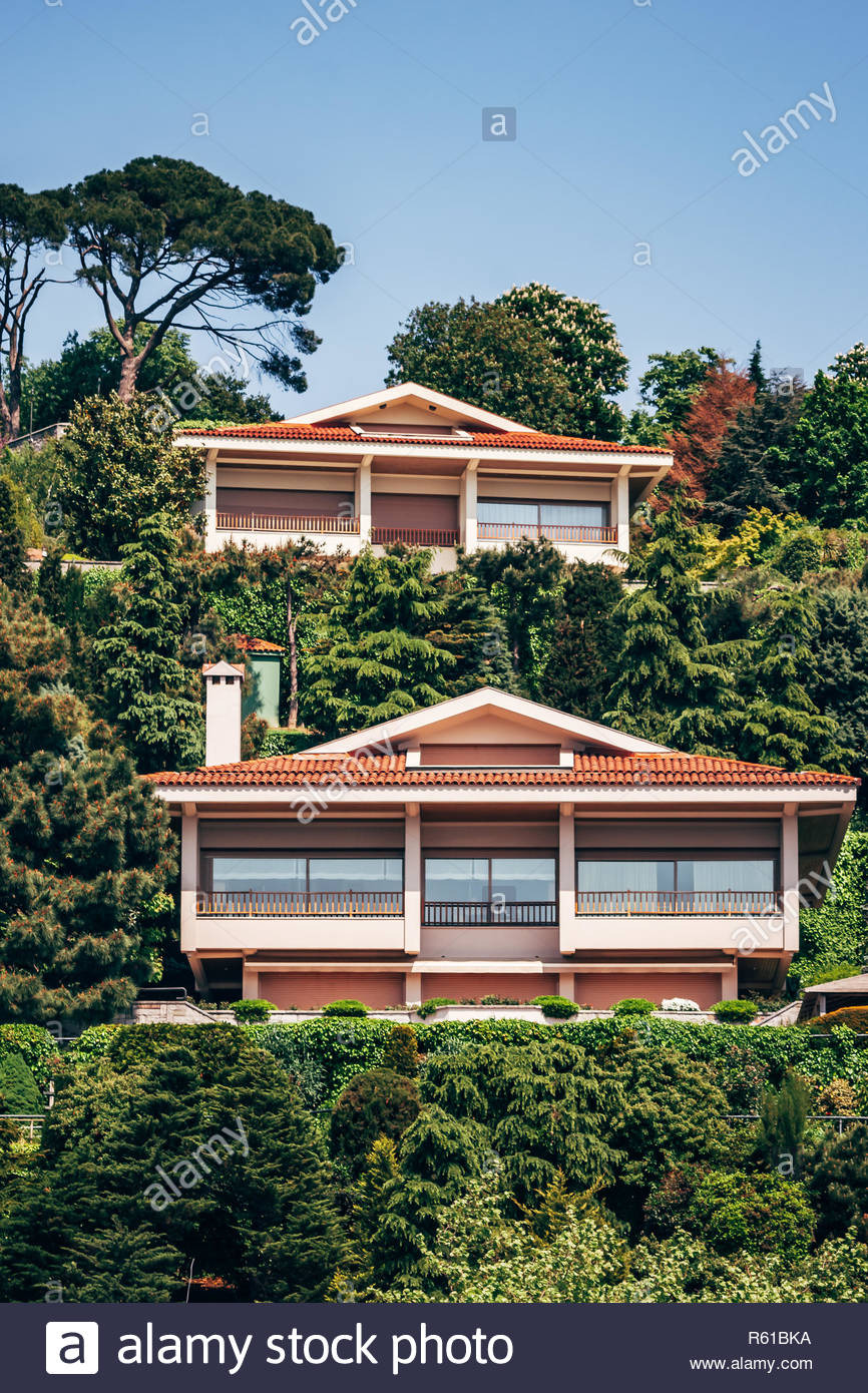 Pictures Of Modern Mansions Elegant istanbul Turkey May 12 2010 Traditional and Modern