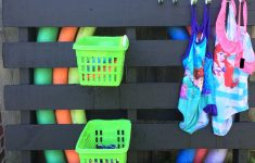 Pool Float Holder Diy Awesome Diy Pool Toys Storage Painted Pallet Dollar Store Baskets