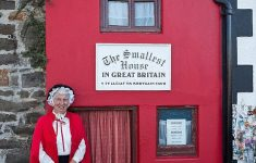 Smallest House In The World 2014 Awesome Britain S Smallest Home Sells For £275k Despite Being Less