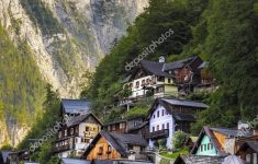 World Beautiful Houses Images Beautiful Detail Typical Houses Hallstatt Surrounded Mountains