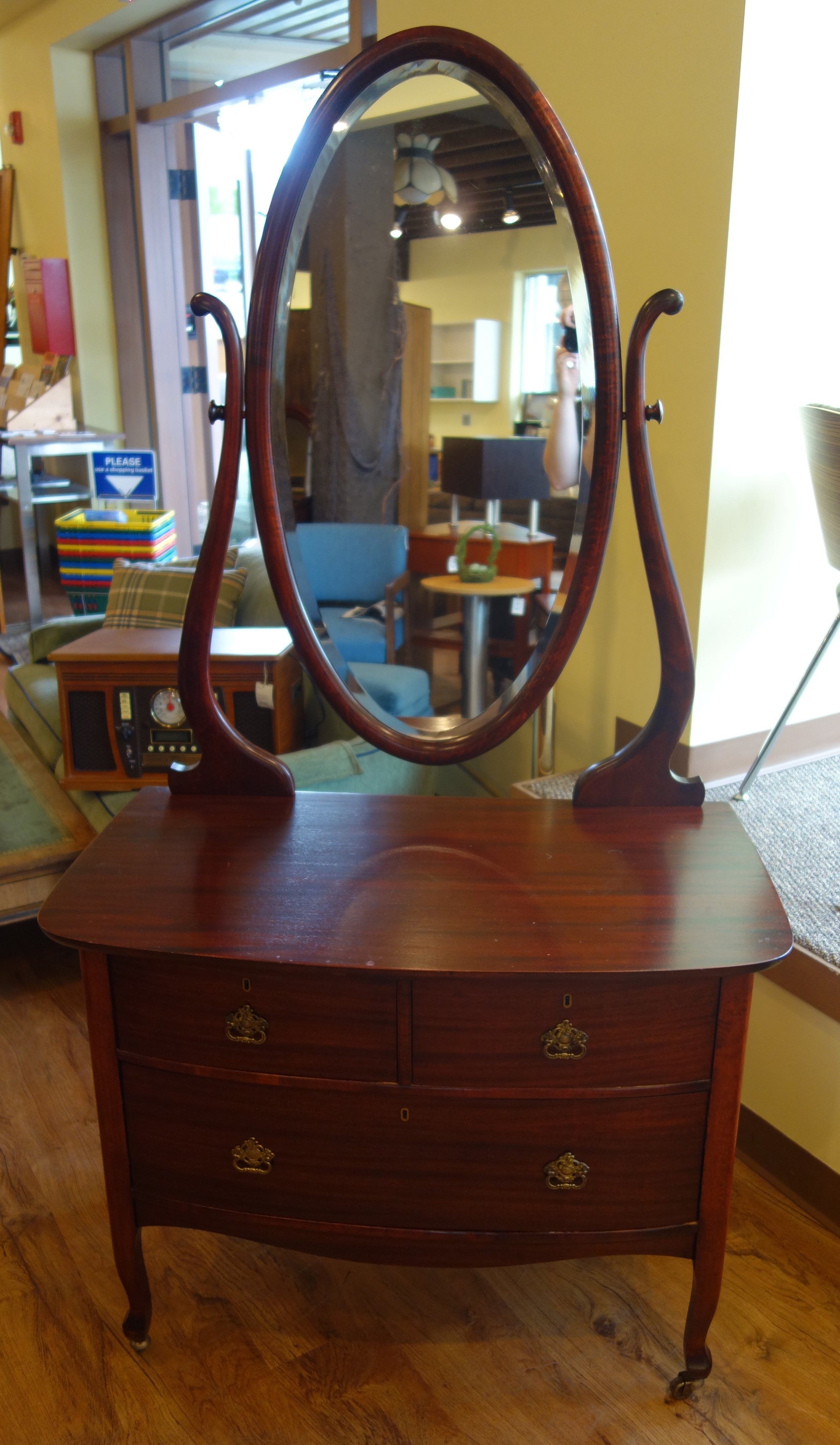 Antique Cherry Wood Federal Vanity Chest A 2000x