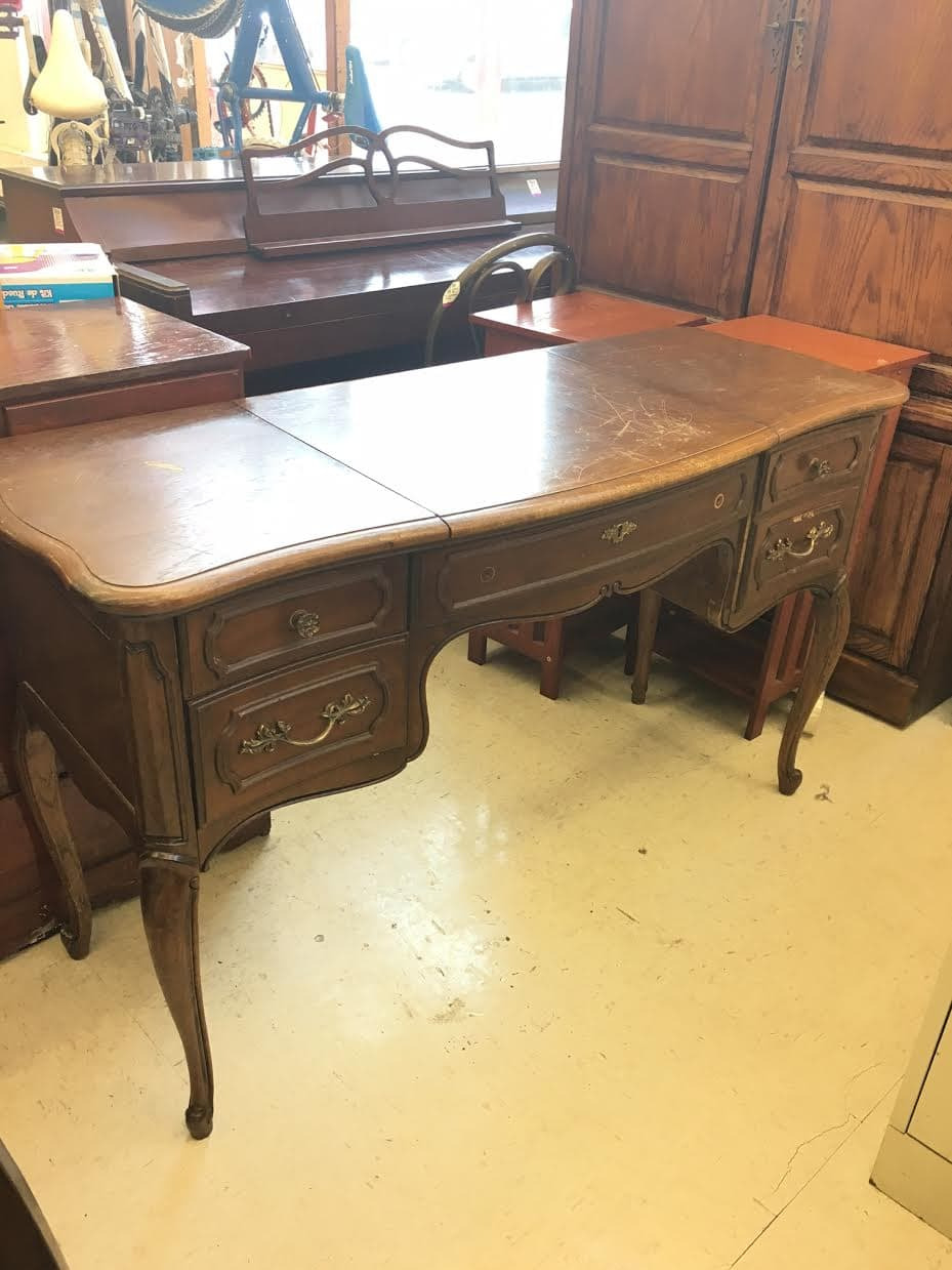 Antique French Furniture Sale Unique I Bought This French Provincial Vanity for Under $10