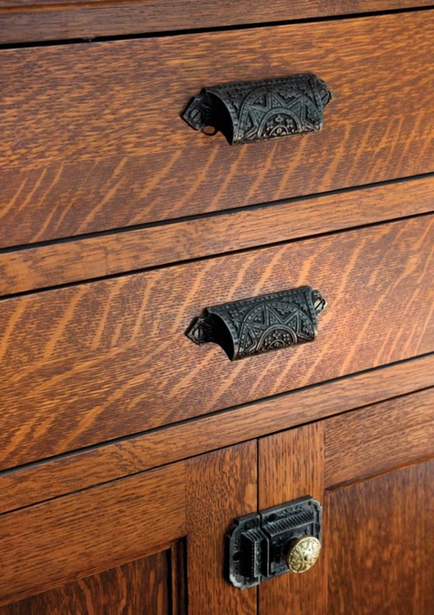 the drawer pulls are from house of antique hardware