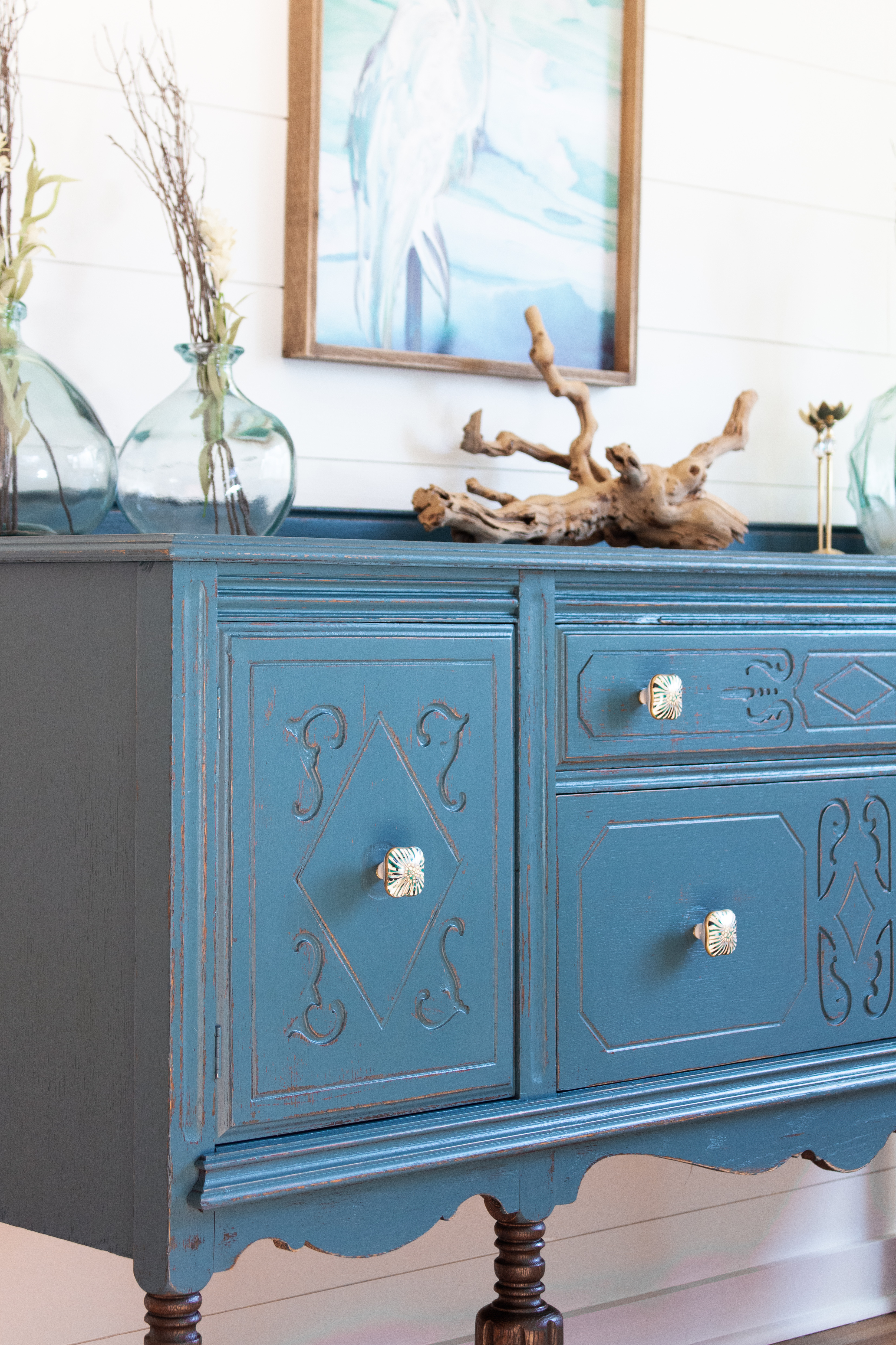 How to paint a sideboard with Fusion Mineral Paint featuring the color Seaside 6