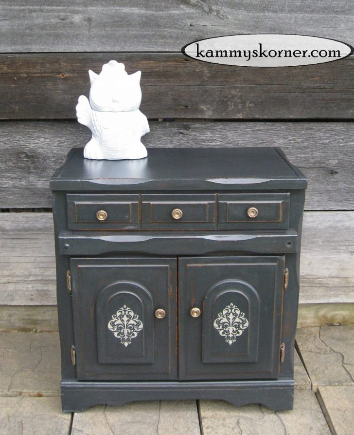 Antiquing Furniture with Black Paint 2021
